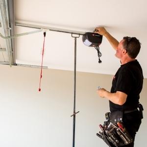 Garage Door Servicing | Garage Door Solutions in Braeside & Berwick