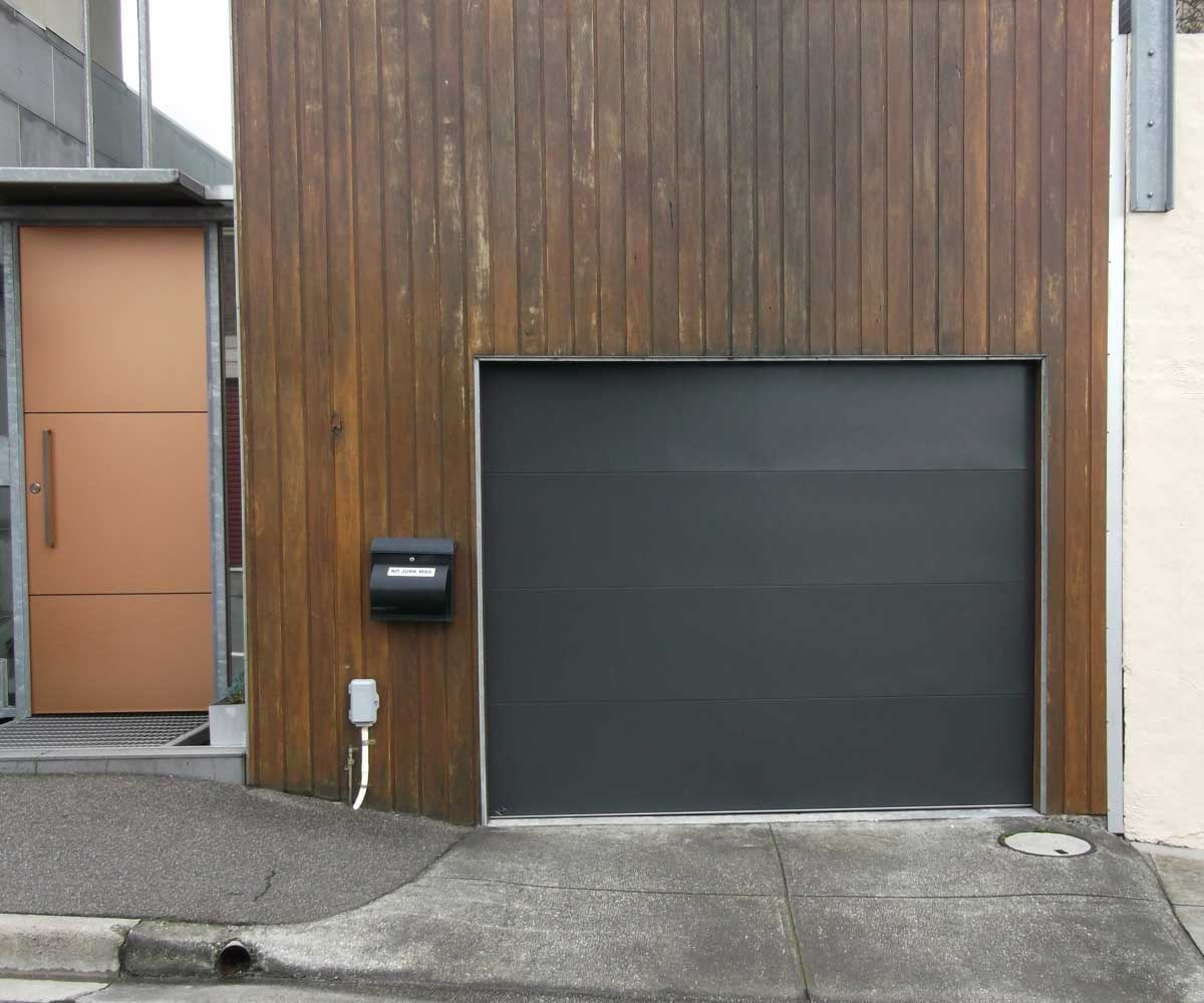 Garage Door Solutions in Braeside & Berwick